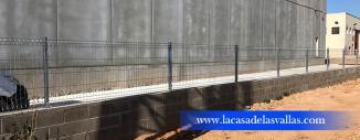 Valla de Malla Plegada y de Simple Torsión en Nave Industrial Tarragona
