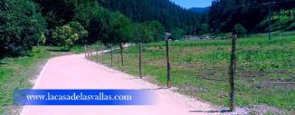 Vallado de Malla Ganadera con Postes de Acacia