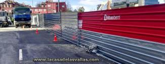 Vallado de obra en Estación Provisional Termibus de Bilbao (Guipuzkoa)