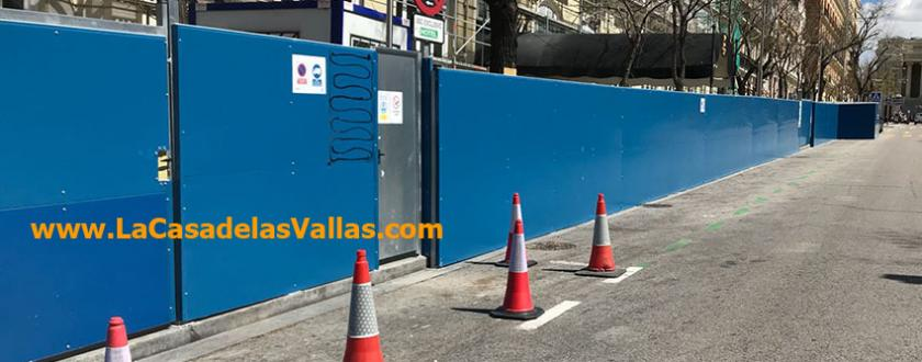 Valla de obra opaca de panel sandwich en madrid - Vallas de obra ...