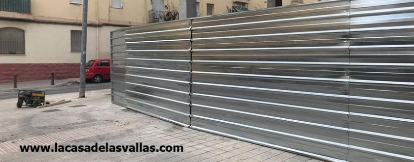 Valla de Obra de Chapa en Alicante