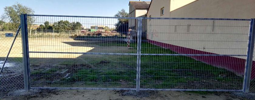 Vallado de Simple Torsión en campo de fúltbol de Peñaflor de Gállego (Zaragoza)