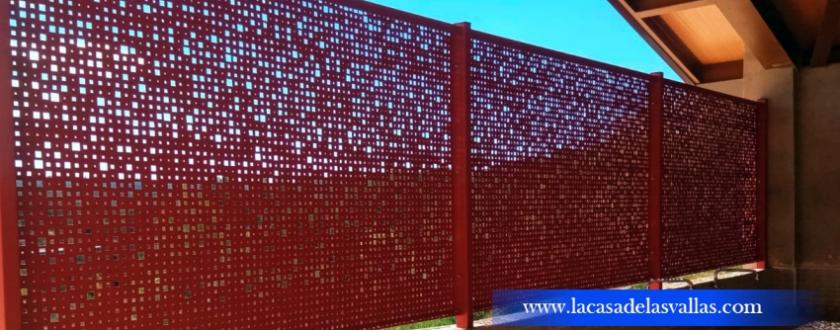Verja Decorativa de Chapa Perforada Pixelada Roja